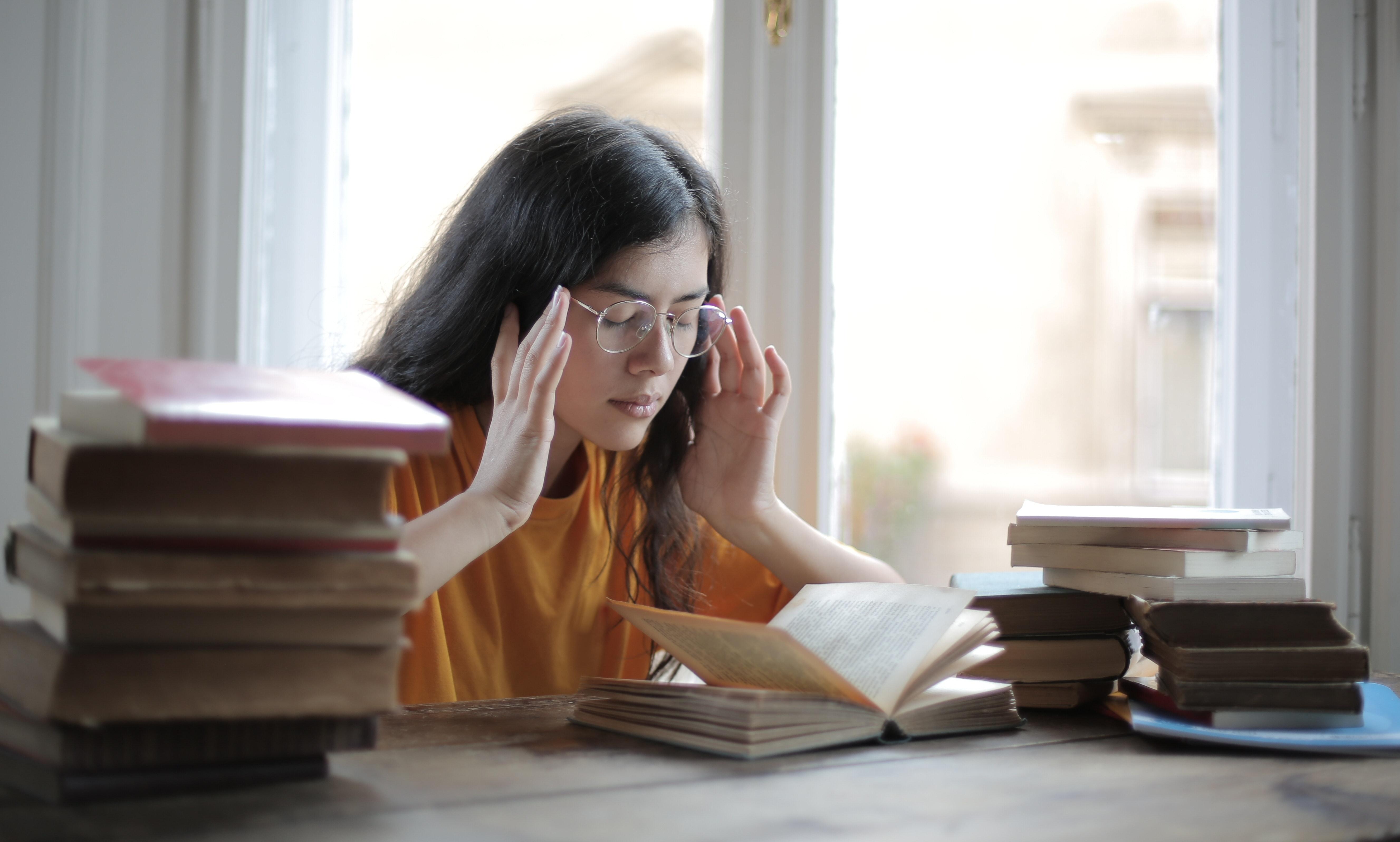 脳が耳鳴りを起こす? 強い頭痛は脳過敏性症候群の可能性も
