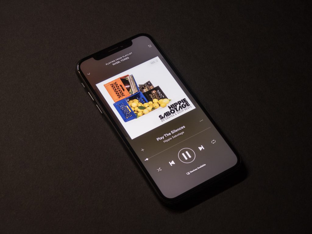 iphone music hearing loss aging