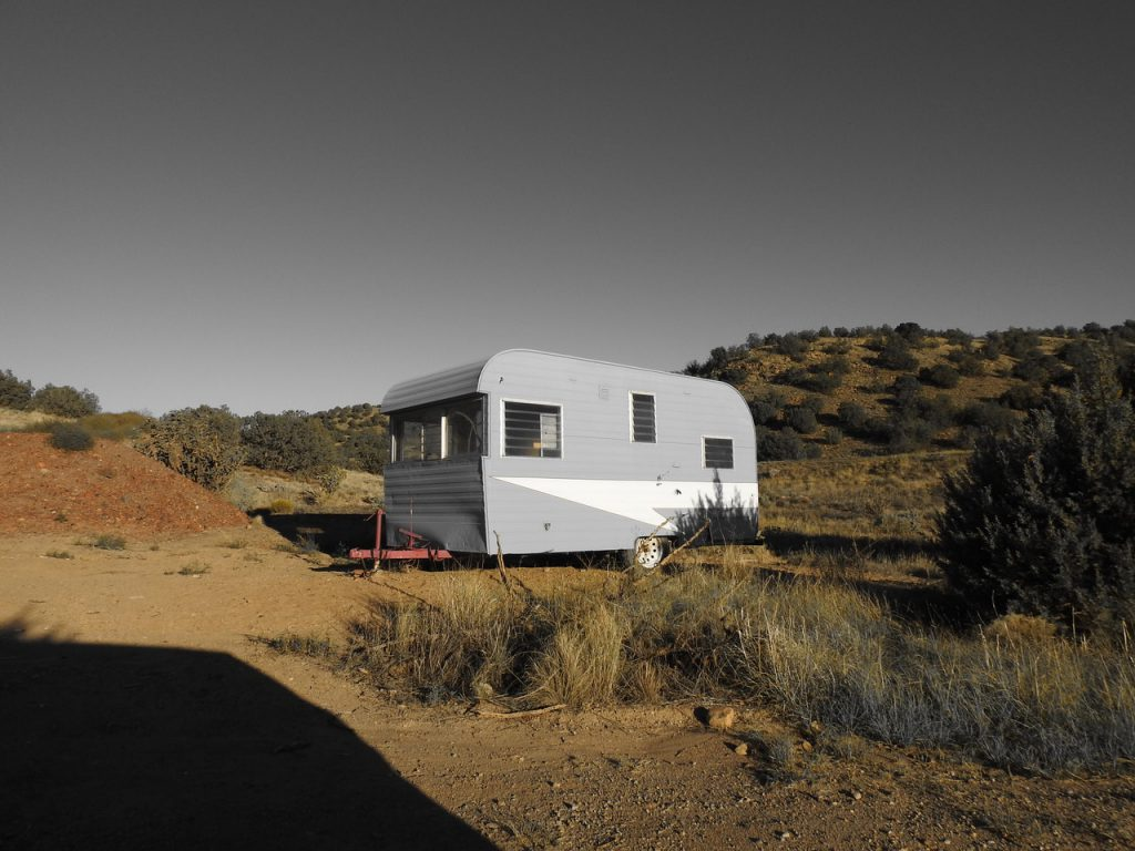 dusty trailer house how long do hearing aids last